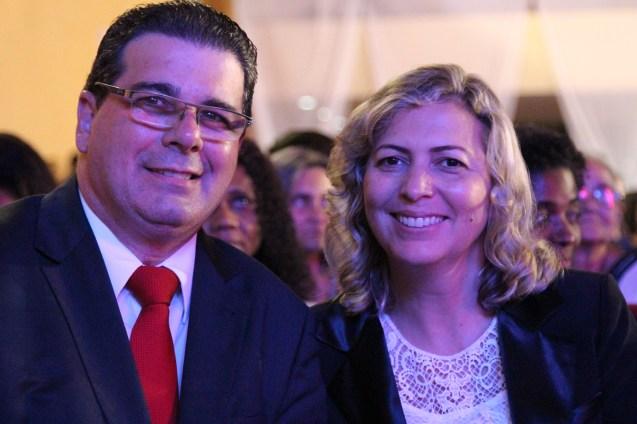 Pr. Moisés Júnior e Rozângela Carvalho