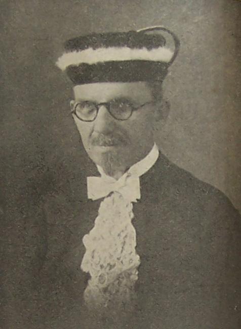 Lipke teve dupla formação: Medicina e Teologia. Seu sonho era servir por mais tempo na obra médico-missionária, mas a doença degenerativa o impediu.