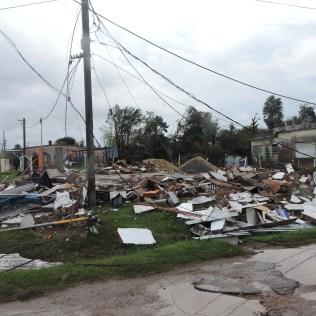 Tornado devastou casas e centros comerciais
