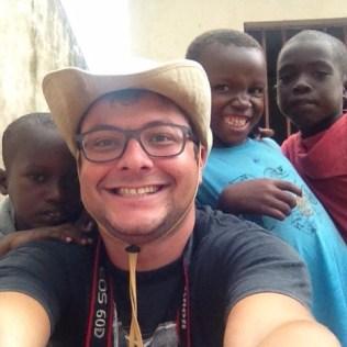 Mariano e criancas
