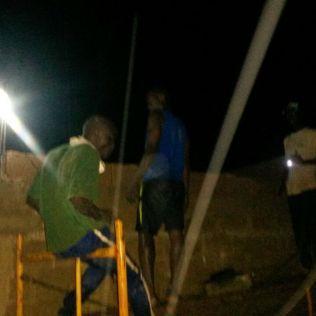 À noite os geradores eram ligados e a obra prosseguia até baterem a meta.