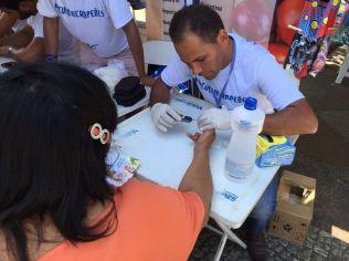 No circuito, voluntários apresentam benefícios da medicina preventiva (Foto: Fabiana Lopes)