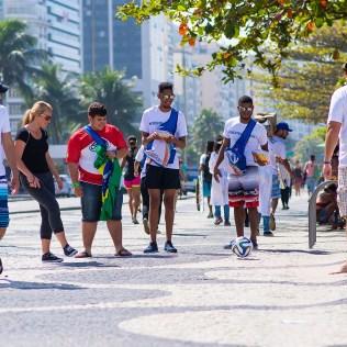 Com ação, jovens também tiveram mais facilidade para se aproximar das pessoas (Foto: Anne Seixas)