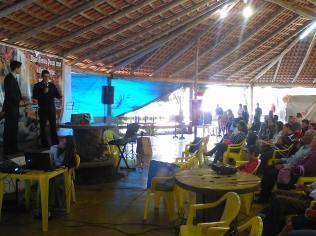 Cerca de 200 fiéis participaram do encontro