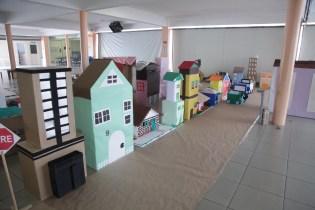 A minicidade foi construída para simulação dos alunos como motoristas e pedestres em diferentes situações