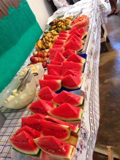 A maioria dos adventistas estavam de jejum durante o último sábado e participaram de uma mesa de frutas em sua respectiva congregação ao final do dia.