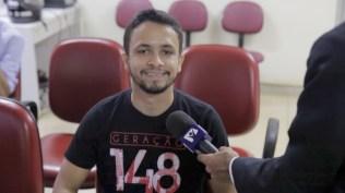 Paulo Vitor já foi beneficiado com a doação de sangue. Como não ainda não pode doar, ele foi até o hemocentro incentivar os amigos a participarem da campanha. (Foto: Comunicação MTo).