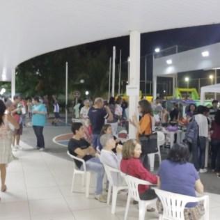 A Escola Adventista de Palmas recebeu cerca de 300 pessoas na noite de sábado. Em celebração ao Dia Mundial do Jovem Adventista, foi montada uma pequena praça de alimentação no local e realizadas diversas atividades esportivas e de lazer. (Foto: Comunicação MTo)