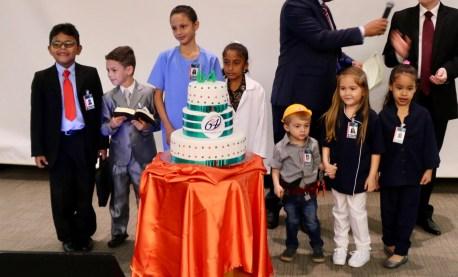 No final do evento, nossas crianças nos lembraram que a missão deve permanecer sempre viva.