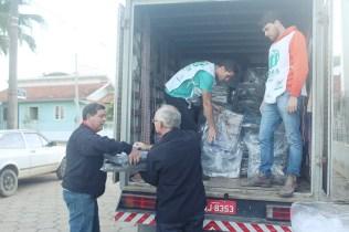 Bairros e abrigos foram atendidos pela ADRA Brasil. [Foto: Nara Curvello].