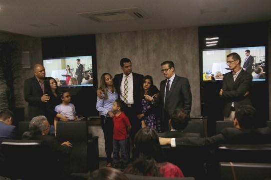 surpresa lembrou a todos, membros voluntários ou líderes, sobre a tarefa de plantar a missão no coração dos filhos.