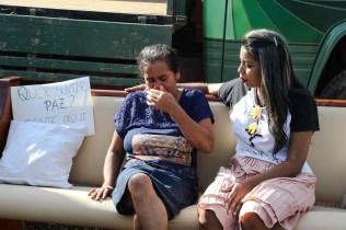 Jovens-montaram-sofa-na-feira1