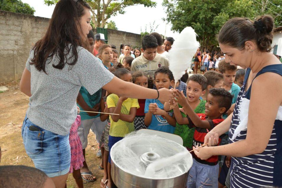 Em Uruaçú, a comunidade participou do Dia da Alegria.
