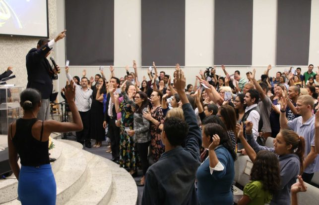Ao todo, 600 pessoas estarão estudando a Bíblia com amigos adventistas