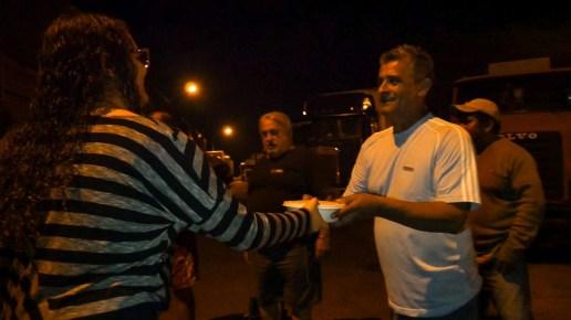 Adventistas de Foz do Iguaçu identificaram oportunidades de impactar pessoas. Uma dessas oportunidades foi a greve dos caminhoneiros que impediu motoristas de prosseguir viagem.