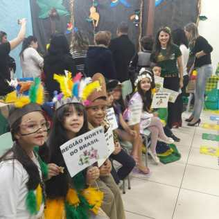 Estudantes também abordam costumes do povo brasileiro. Foto: Arquivo Pessoal/Carlos César