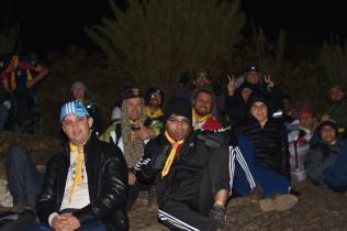 Pastores fazem pausa para descanso durante a subida para o Pico da Bandeira. (Foto: Klauss Heiderich)