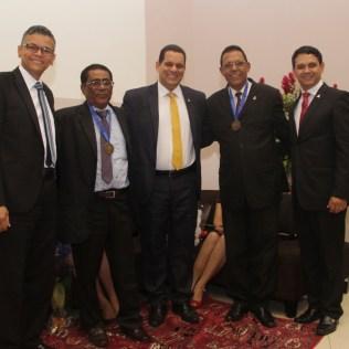 Os pastores jubilados receberam uma medalha de congratulação da Associação Geral, que administra a Igreja Adventista no mundo.