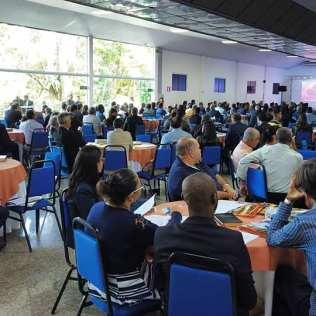 Cerca de 300 líderes participaram do concílio administrativo em Juiz de Fora. (Foto: Mayra Marques)