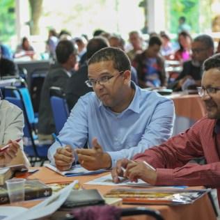Durante a programação, os participantes respondiam a perguntas da apostila e interagiam entre eles sobre os assuntos das lições disponíveis no material do concílio. (Foto: Mayra Marques)