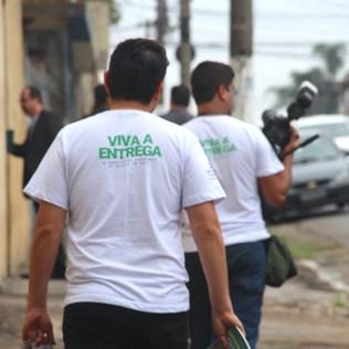 Colaboradores da Paulista Leste visitam casas do bairro Vila Matilde(Foto: Gabriela Victorio)