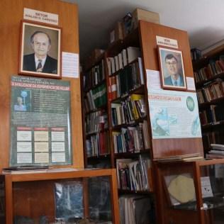 Biblioteca para consultas. Atualmente, o espaço está pequeno para o vasto acervo da SCB. (Foto: Mauren Fernandes)