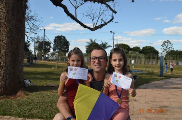 Crianças receberam certificado de participação. (Foto: José Rubens)