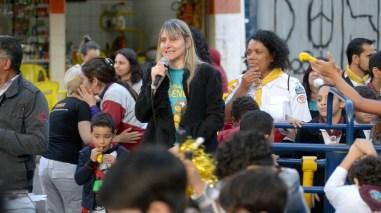 Marziane Guimarães, líder do Ministério da Mulher da APL, fala à comunidade de Freguesia do Ó (Foto: Elvis Natali)