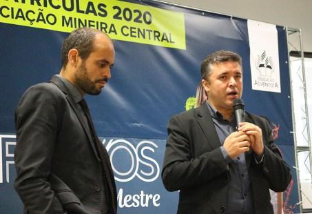 Prof. Ozéias Batista lança desafio para diretores. (Foto: Larissa Luana)