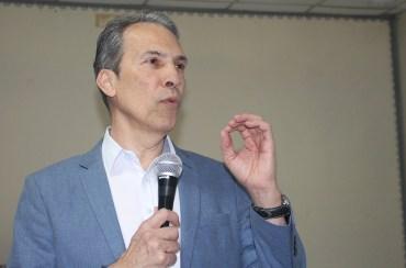 O especialista em Ortopedia e Traumatologia, Arno Ribeiro, abordou as orientações e Deus para a Saúde com o especialista em Ortopedia e Traumatologia, Arno Ribeir