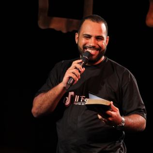 Pastor Marcos Filipe incentivou equipe organizadora do evento (Foto: Divulgação).