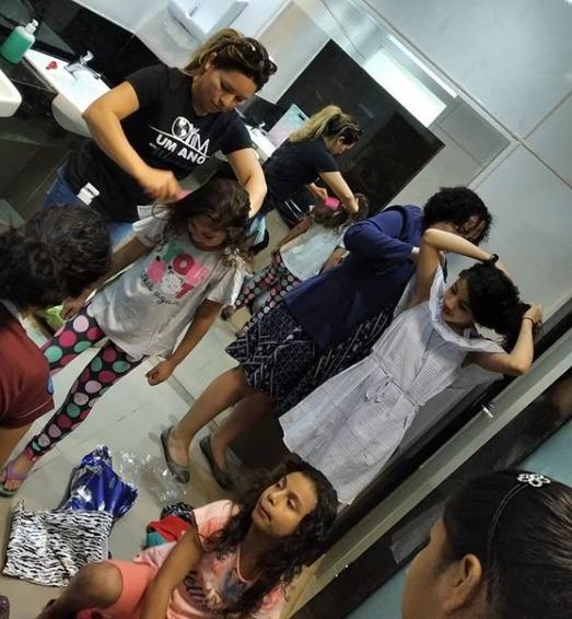 Pequenos receberam cuidados com os cabelos, unhas e visual. (Foto: Arquivo Pessoal).