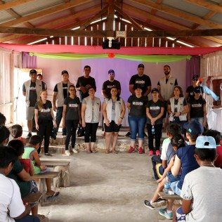Culto na ilha de San Carlo. (Foto: Dinei Avelar)