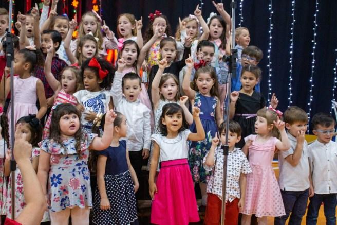 Crianças da Educação Infantil mostraram facilidade com o novo idioma após ano letivo bilíngue