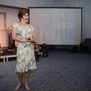 Palestrante e terapeuta Dilene Ebinger discorreu sobre o propósito de vida que cada mulher deve ter (Foto: Renan Lima)