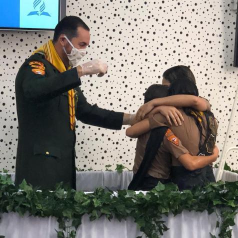 Três irmãs foram batizadas no último sábado, 11 (Foto: Arquivo Pessoal).