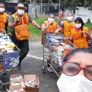 Equipe de voluntários durante um plantão. (Foto: Divulgação)