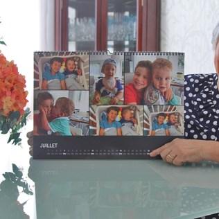 Celeste tem calendário com a foto dos netinhos. (Foto: Renata Paes)