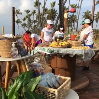 Frutas, integrais e bastante líquido para hidratar foram oferecidos. (Foto: Denise França)