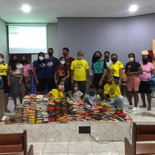 Mais de 400 kg de alimentos arrecadados pelos adventistas de Xique-Xique, no norte da Bahia. (Foto: Reprodução)