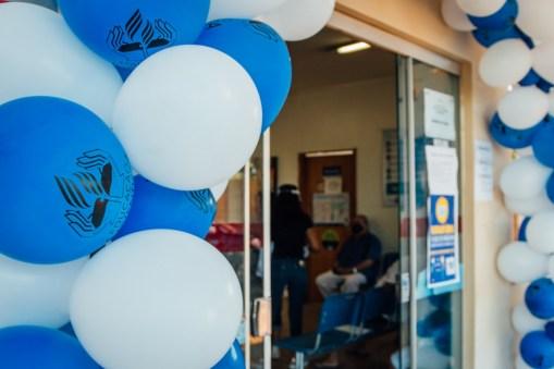Arco com balões personalizados para comemorar a data