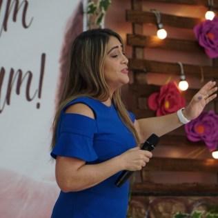 A cantora Darlene Lima esteve presente no Sábado Missionário da Mulher Adventista dos adventistas do norte da Bahia. (Foto: Reprodução)