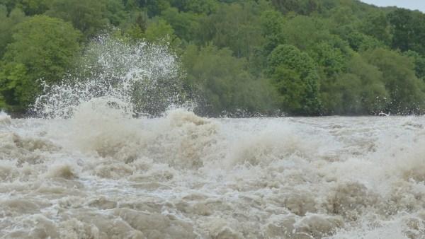 Hidrologia é uma ciência que estuda o movimento da água sobre a Terra