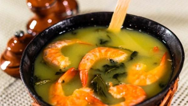 Tucupi vem da mandioca brava e é comum na culinária do Norte
