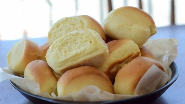 Pão de leite é macio, fácil de fazer e leva poucos ingredientes