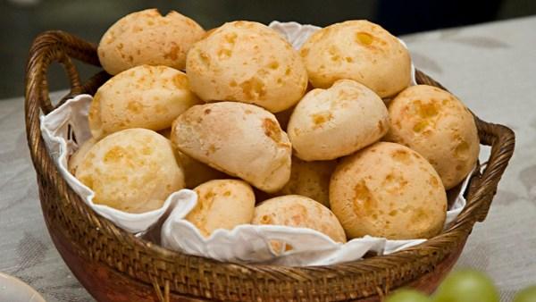 Pão de queijo é iguaria que teria chegado ao Brasil por volta de 1860