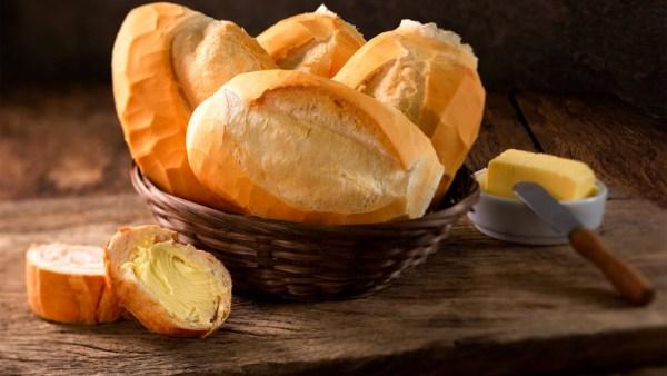 Pão francês é comum e popular nas padarias de todo o Brasil
