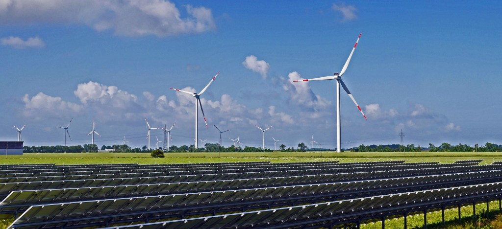 Energia eólica é uma das formas de energia limpa, apresentada no Ecoenergy