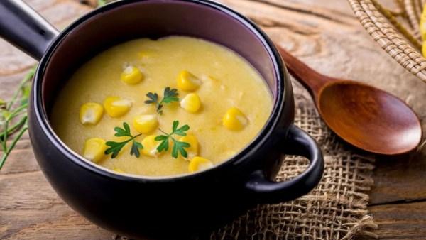 Angu é um prato tipicamente brasileiro à base de fubá