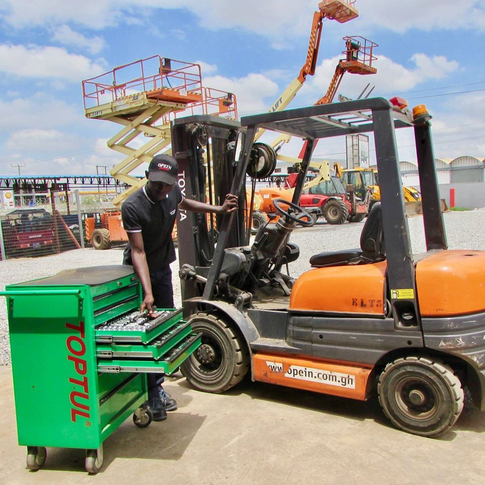 5 tips to consider before renting a forklift